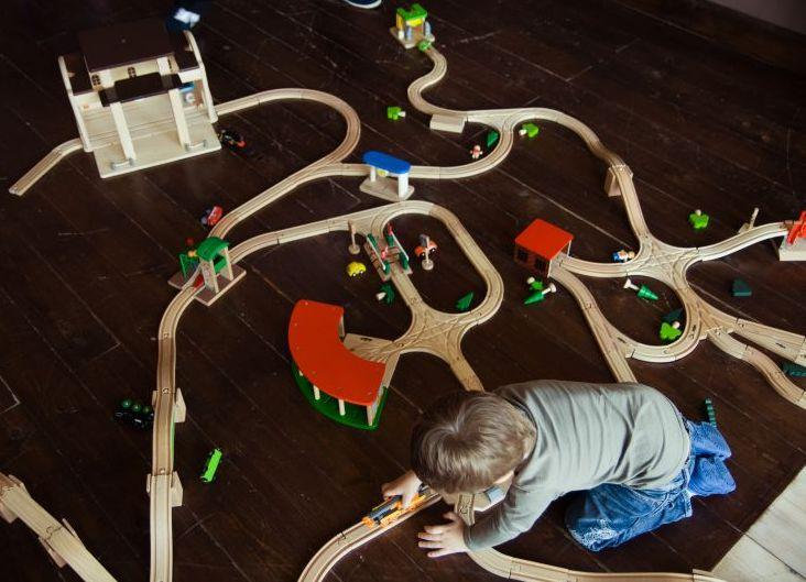 Мир деревянных железных дорог