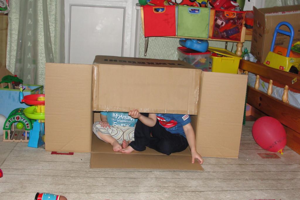 Как сделать домик из одеяла и подушки для детей фото